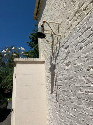 Hidden Huntley bell, photo credit Walkitoffni